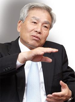 東洋ゴム工業社長 中倉健二<br />5年でタイヤ生産量を倍増<br />復興需要と値上げに期待
