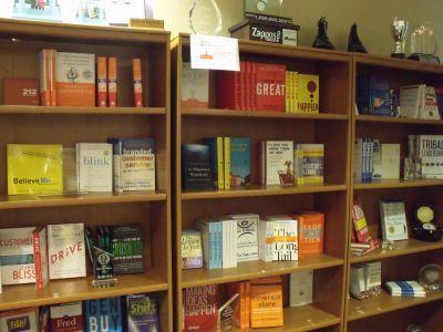 社員が社長と同じ本を読めば組織は強くなる?<br />会社と個人の成長を支えるザッポス・ライブラリー