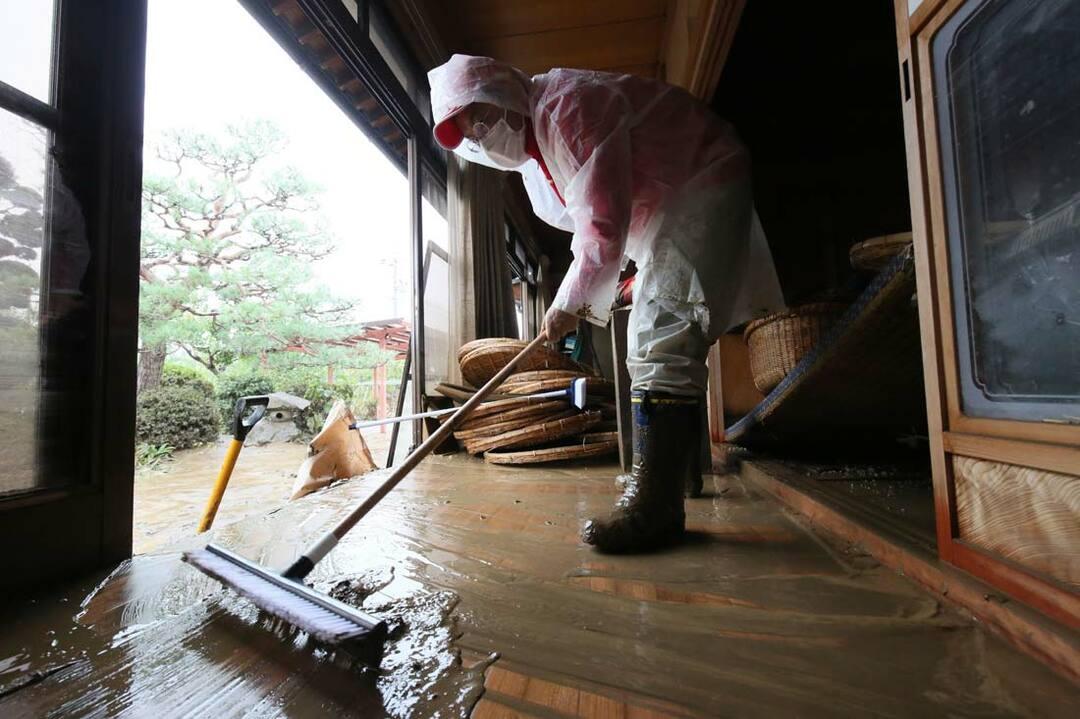 台風19号によって長野市穂保地区で浸水被害を受けた民家の様子
