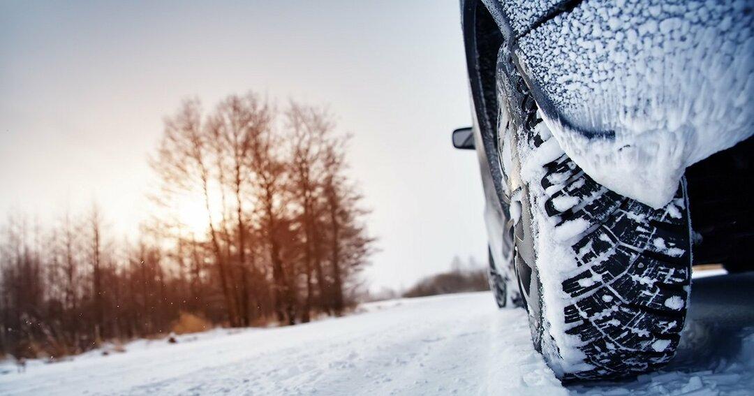 米国のドライバーが真冬でも「冬用タイヤ」に履き替えない理由