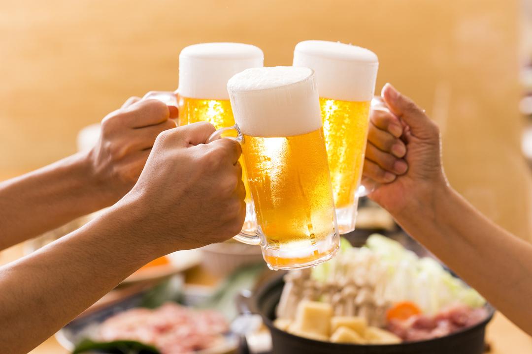 酒の「アルコール消毒」は本当に風邪に効くのか?