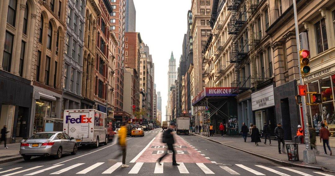 職探し再開で加速する米国の雇用回復、FRBのテーパリング開始は早まるか