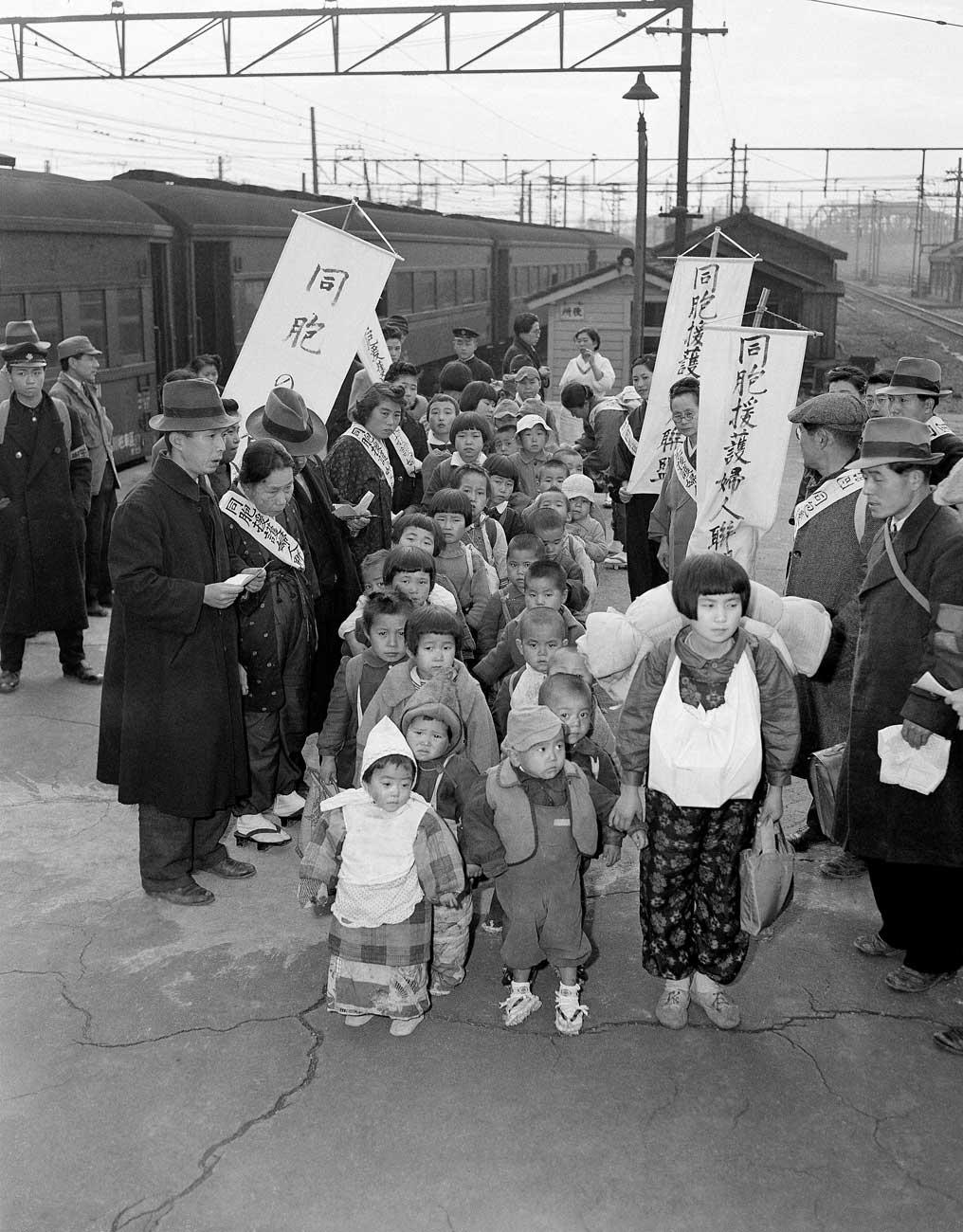 終戦翌年、満州からの引揚者たちを東京に運んだ電車