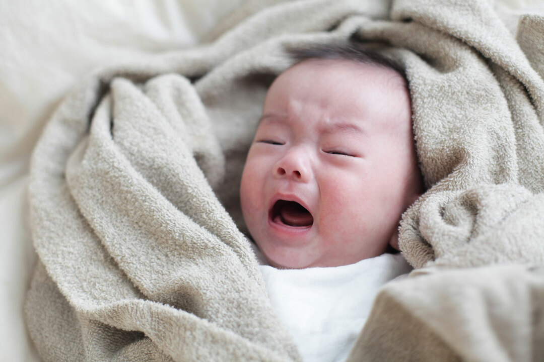 子育てに苦労はつきもので、夜泣きする赤ん坊の対応はその中でも代表的な苦労である。