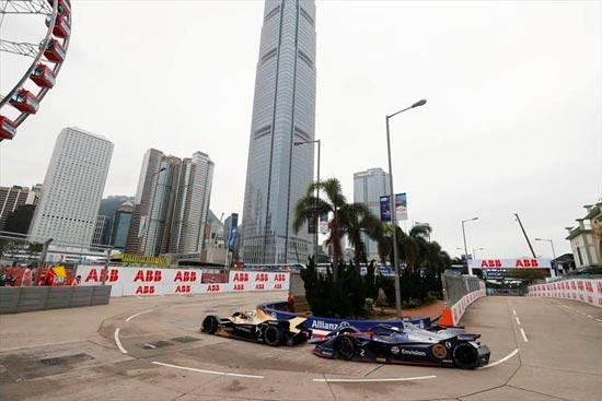 香港駅近くの中心街を閉鎖した市街地コース