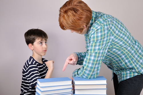 親が○○だと、子供の「自制心」が育たない