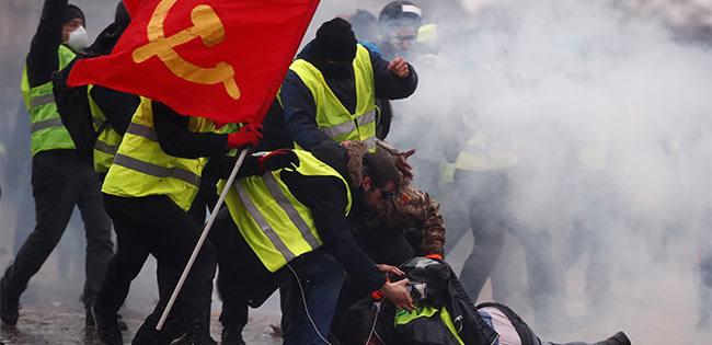 フランスの黄色いベスト運動の様子