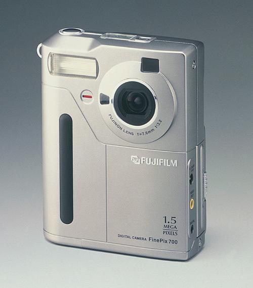 FinePix700