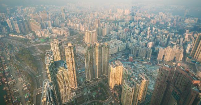 中国経済が抱える2つの深刻な構造問題、金融危機は回避できるか