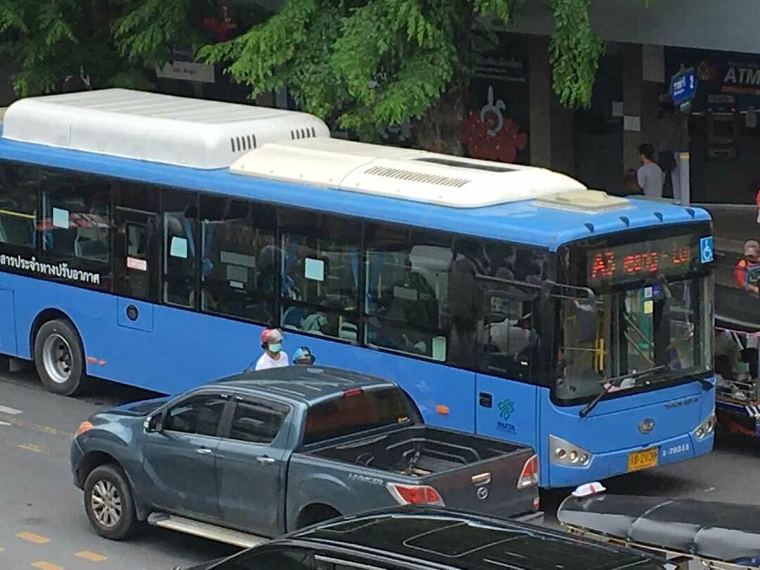"""バンコクを走る""""奇跡""""の路線バス、象徴するのは日本の「強さ」か「斜陽」か"""