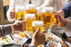 若者のビール離れが深刻!大手3社の生き残る道は