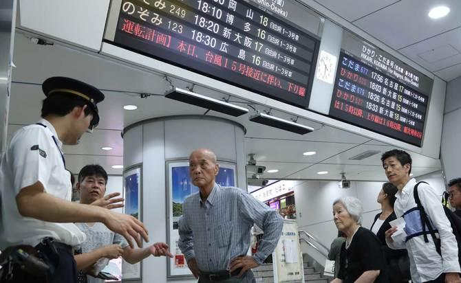 台風15号で大混乱、東京駅の顧客案内はなぜダメなのか | トンデモ人事 ...