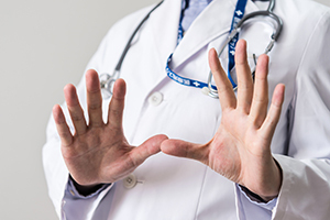 HIV/エイズに最も差別的な職場は「医療・福祉」!?