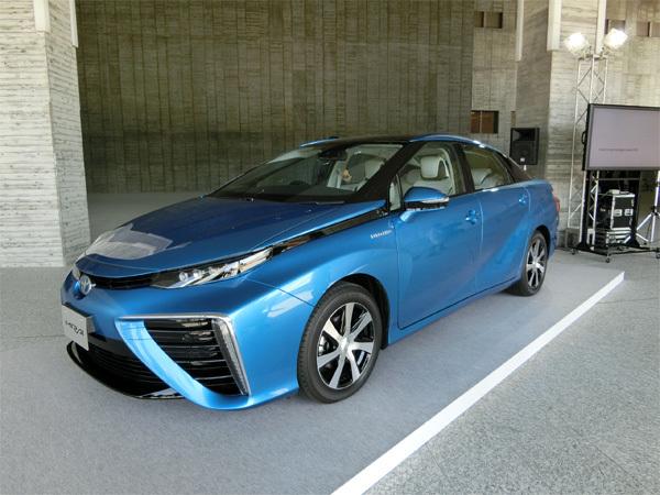 「水素社会」礼賛報道の陰で<br />燃料電池車が迎える苦境(上)