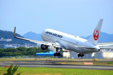 JALでは、パイロットの飲酒問題が、全社員の飲酒自粛通達につながりました。