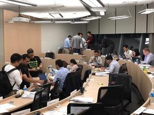シンガポール国立大学・EMBAコースでの授業後風景