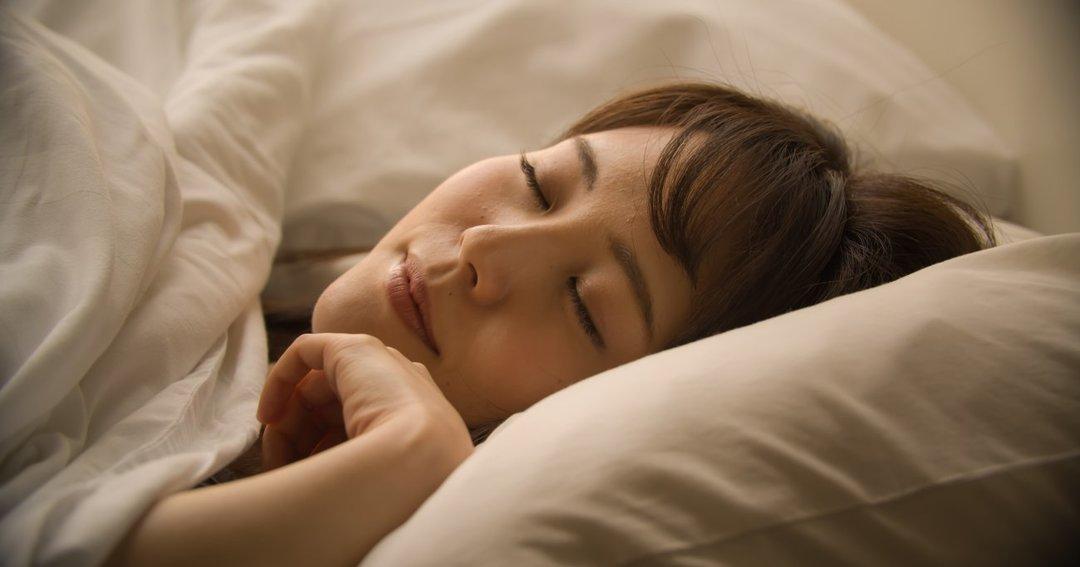 夜、考えごとをしてモヤモヤせず<br />ぐっすり眠れるとっておきの方法