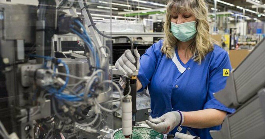 ドイツ当局は、イタリアやスペインとは異なり、すべての工場に稼働を継続する選択肢を与えた