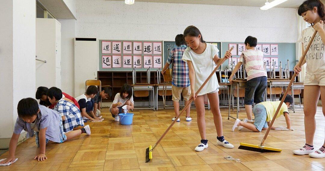 日本の小学校の掃除や給食の光景は、中国人にはとても衝撃的に見えるようです