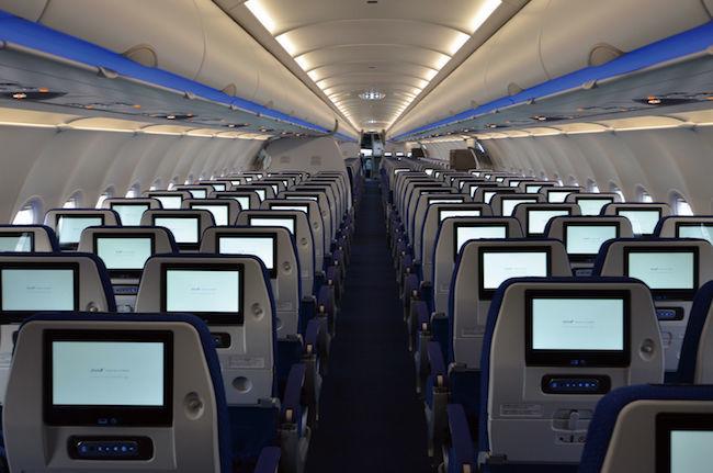 エアラインのサービスは世界的には簡素化傾向だが、JALとANAは逆だ。