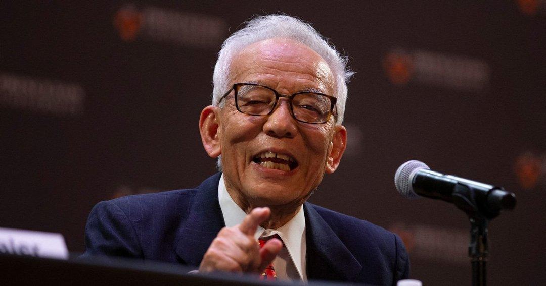 ノーベル物理学賞を受賞した日米の科学者真鍋俊郎が講演する真鍋淑郎氏