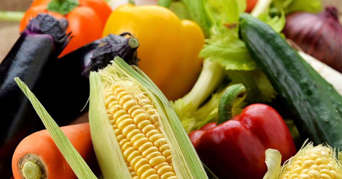 トマトは生よりジュースで!夏野菜の意外な効果と食べ方