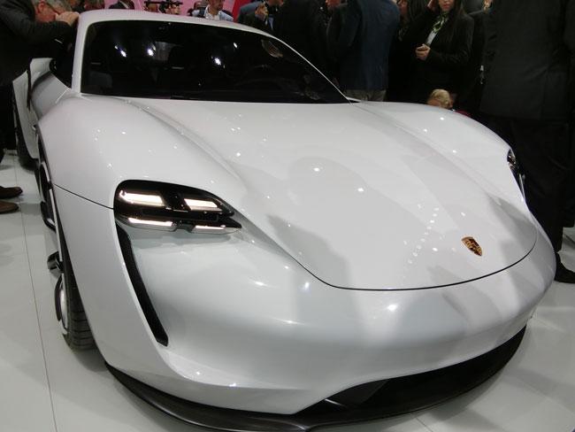 BMWやルノー日産が問題提起、航続1000kmのEVは本当に必要か