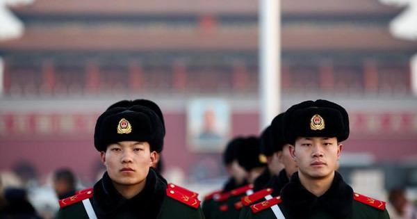 中国全人代、指導部は経済改革優先表明へ