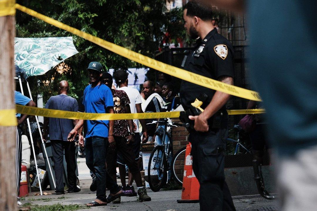 米の銃犯罪対策、コミュニティーでの介入が有望