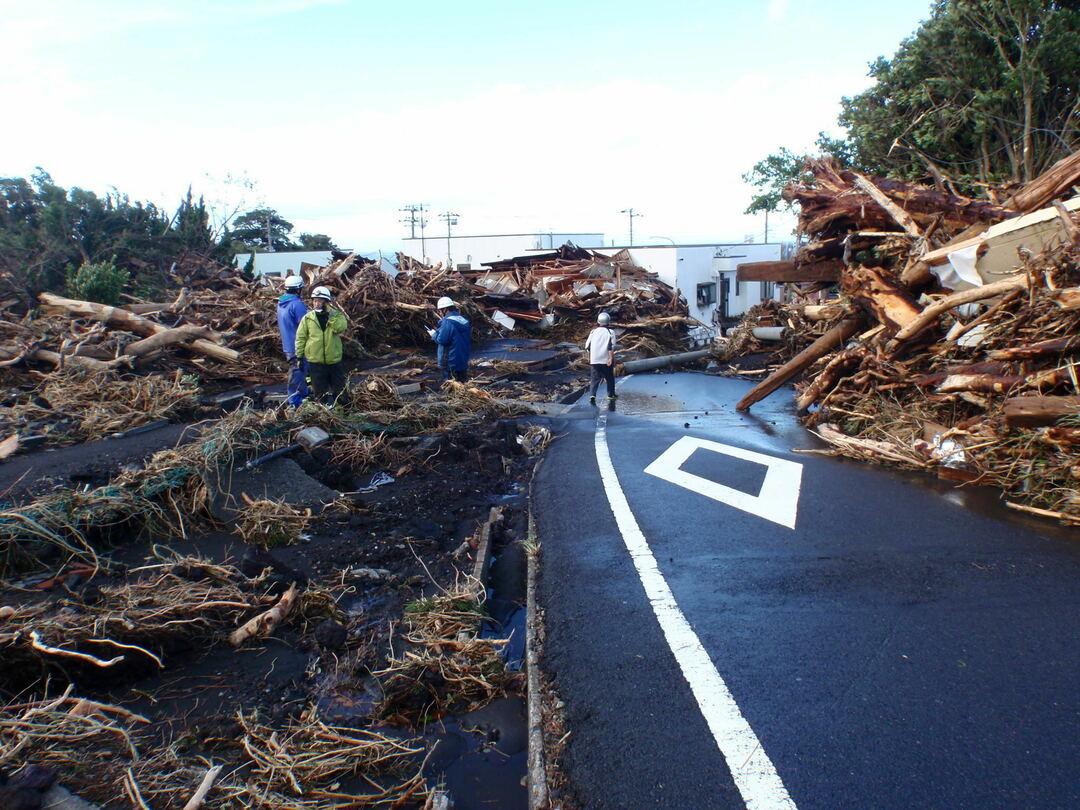 大島町の防災体制、特別警報の問題点が明らかに <br />伊豆大島豪雨 24時間雨量824ミリの衝撃