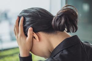 身を削る生活苦から立ち上がった、元公務員ワーキングプア女性
