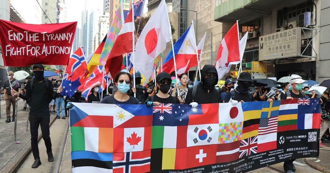 10月1日、中国建国70周年に当たり、香港島で行われた大規模な抗議デモ