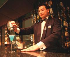 京王プラザホテルのスカイバー「ポールスター」