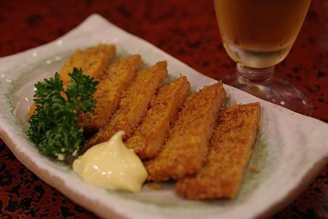 かきめし――広島産牡蠣の旨みがご飯に凝縮。<br />炊きあがる前から食欲をそそる!!