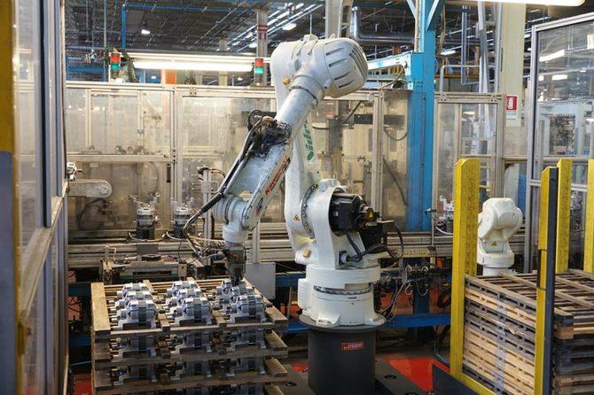 人・組織を鍛え抜く 日本電産「永守流」#5 ロボットアーム