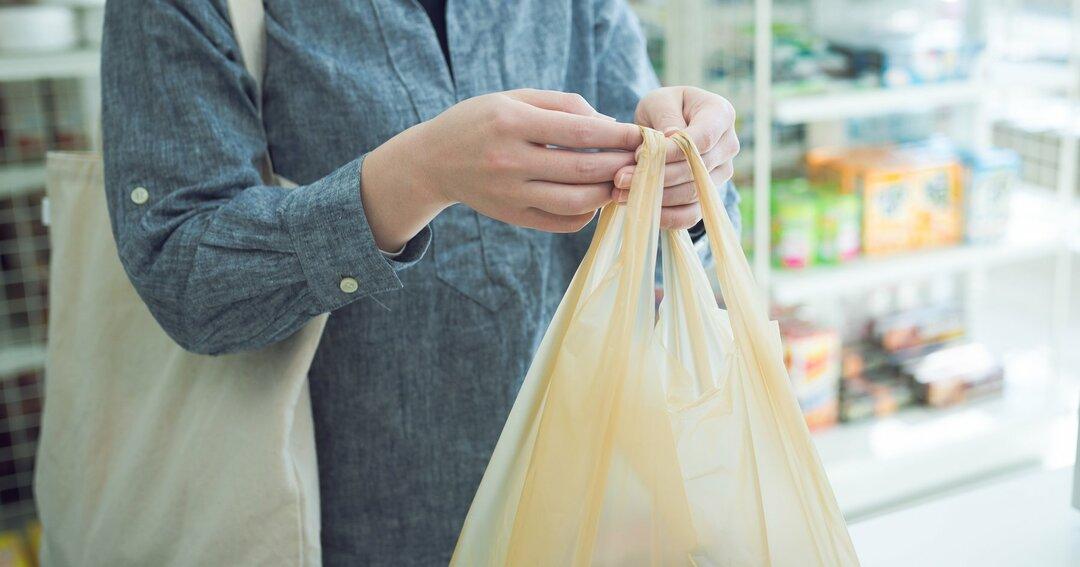 レジ袋有料化、袋購入もマイバッグも嫌!ユニークな抵抗をする人たちの生き様