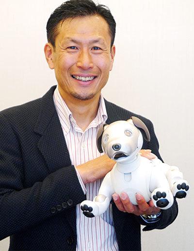 イヌ型アイボに詰め込んだ 次世代AIロボットのノウハウ