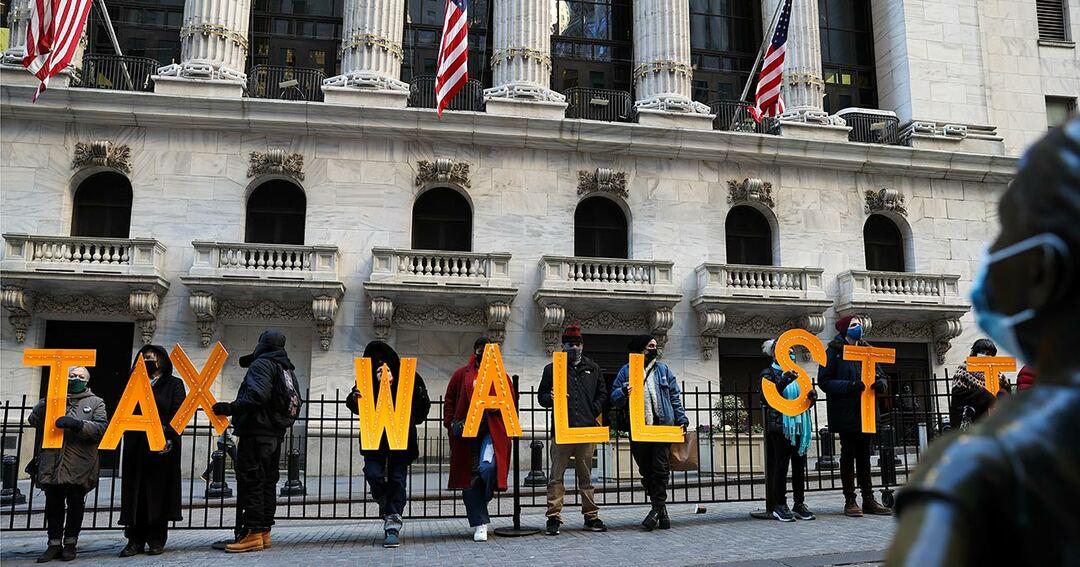 写真:ニューヨークのウォール街