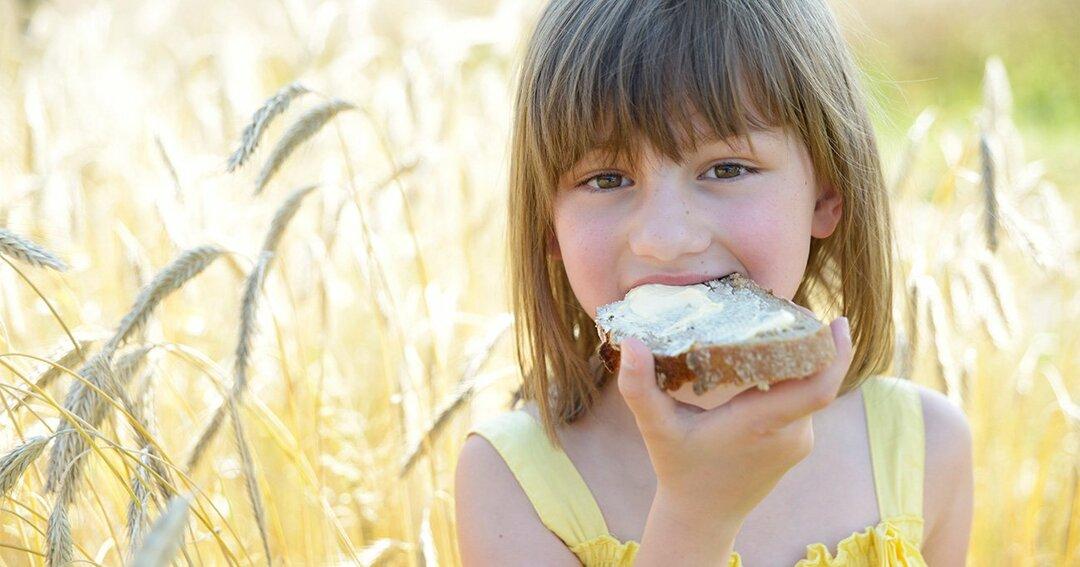 世界的ベストセラー書が断言!<br />「将来の年収」と「幸せな子ども時代」は密接に関係している
