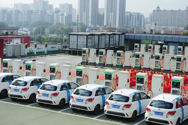 中国はEV化進展で世界の自動車産...