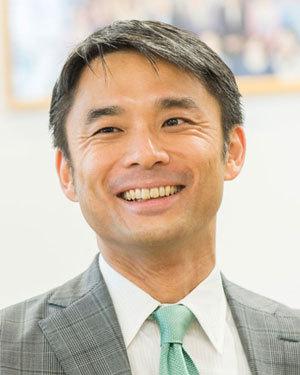 岩瀬大輔氏
