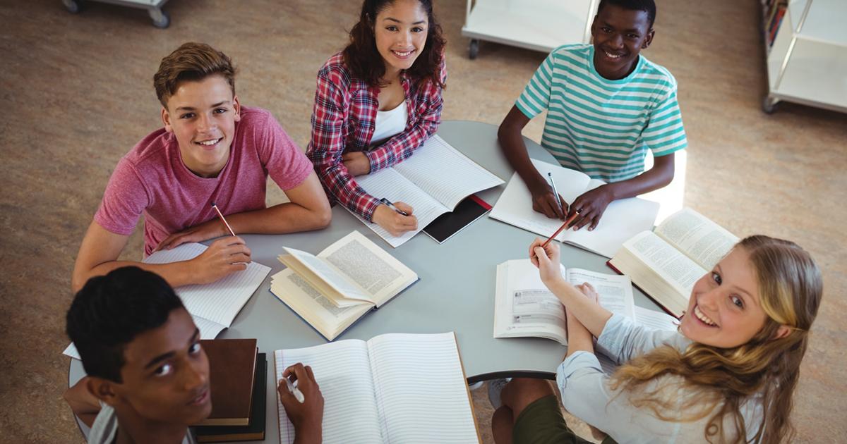 勉強ができる友人と付き合うことになっても自分の子どもの学力は上がらない?