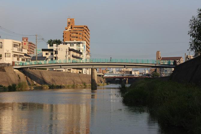 稲盛氏の生家近くを流れる甲突川