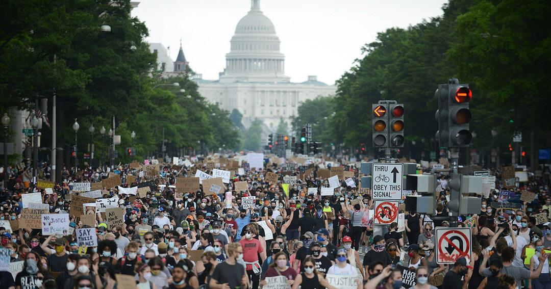 米国「善意の欠乏」あらわ、コロナと人種巡る危機