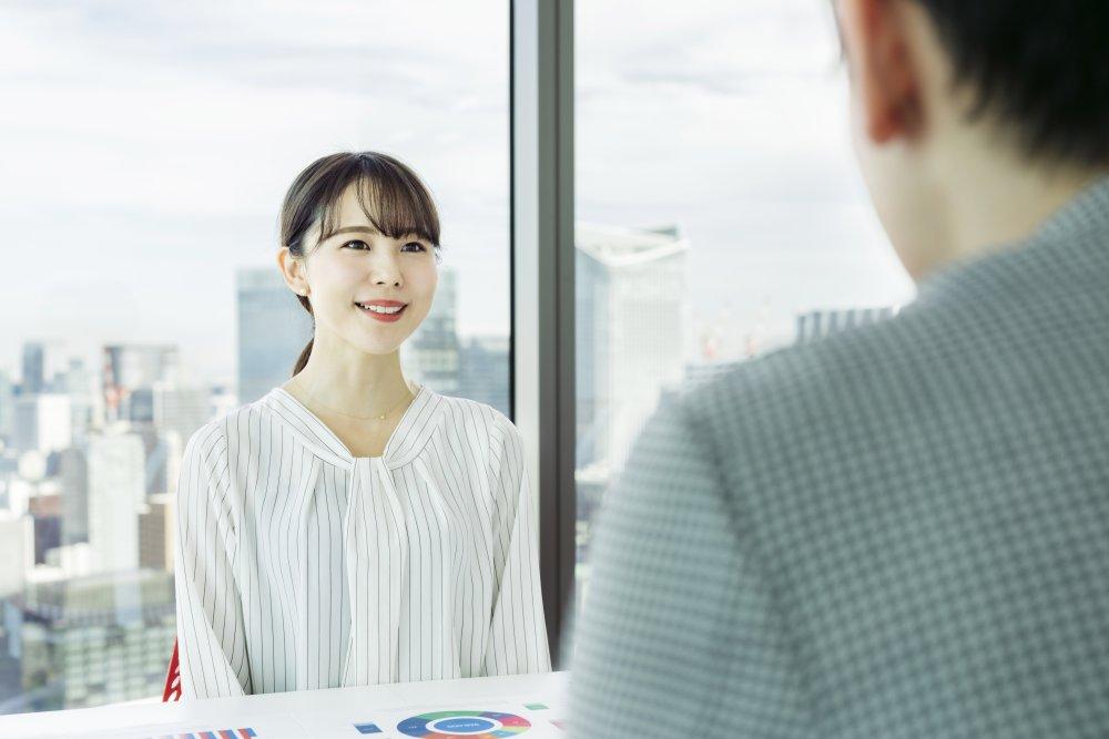 『「よそ者リーダー」の教科書』著者の吉野哲氏による着任後すぐに行うべき「従業員との面談」とは