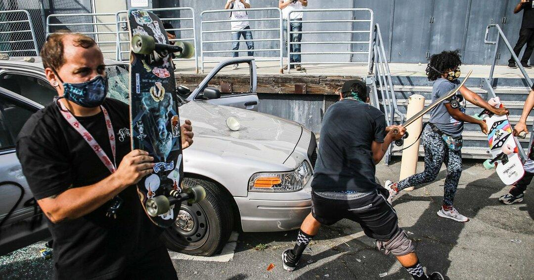 ポルシェGT3RSが廃車寸前に!米暴動の被害を車両保険はどこまでカバー?