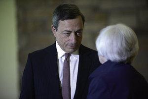 欧州の「財政出動が必要」発言で<br />消費税10%先送りの議論は早計