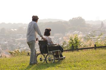 止まらない家族介護殺人、介護保険制度の落とし穴