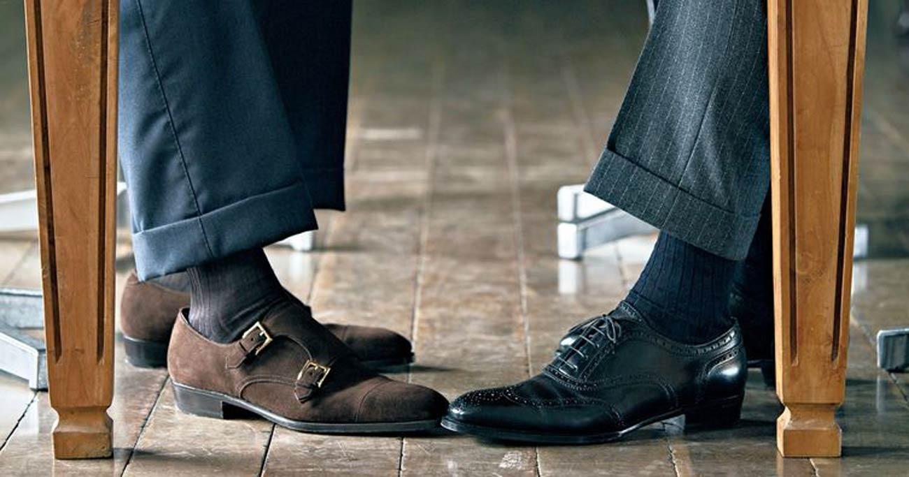 スーツがカッコよくキマる!靴下・ベルト・靴の合わせ方とは?