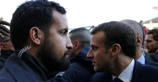 マクロン仏大統領とアレクサンドル・ベナラ容疑者